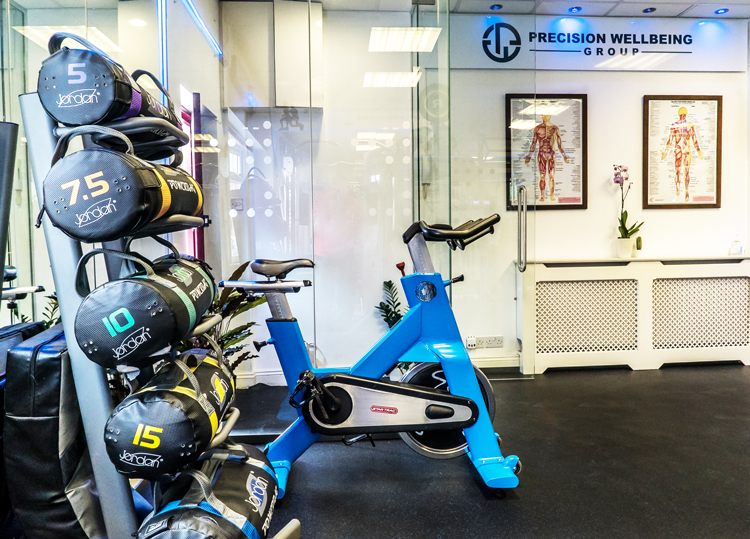 Precision-Wellbeing-Clinic-North-Finchley-Spin